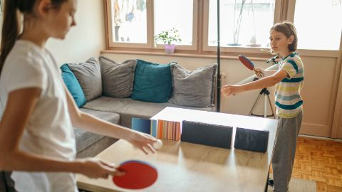 Giocare a ping-pong a casa