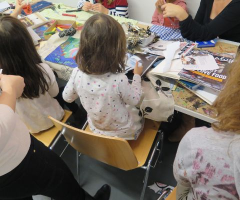 Kinder im Kreativworkshop des Migros Museum Familiennachmittags