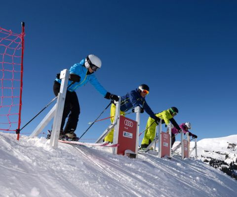 Startbereit: Skirennen in Lenk