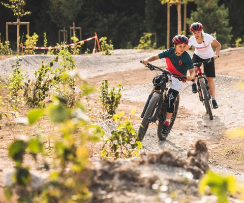 Bambini allo Swiss Bike Park di Oberried