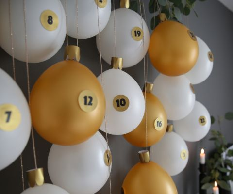 buehne-home_2400x2000_luftballon-adventskalender-2