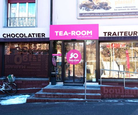 Eingang des Familien-Tea-Room Saudan in Fribourg