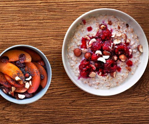 Porridge-mit-Fruechtetoppings