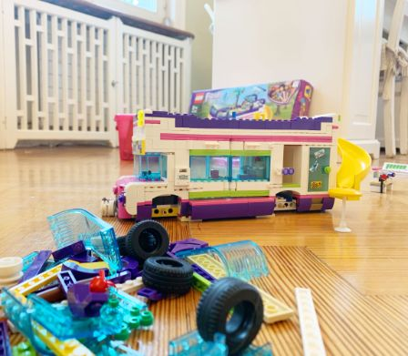 Lego Friends Bus