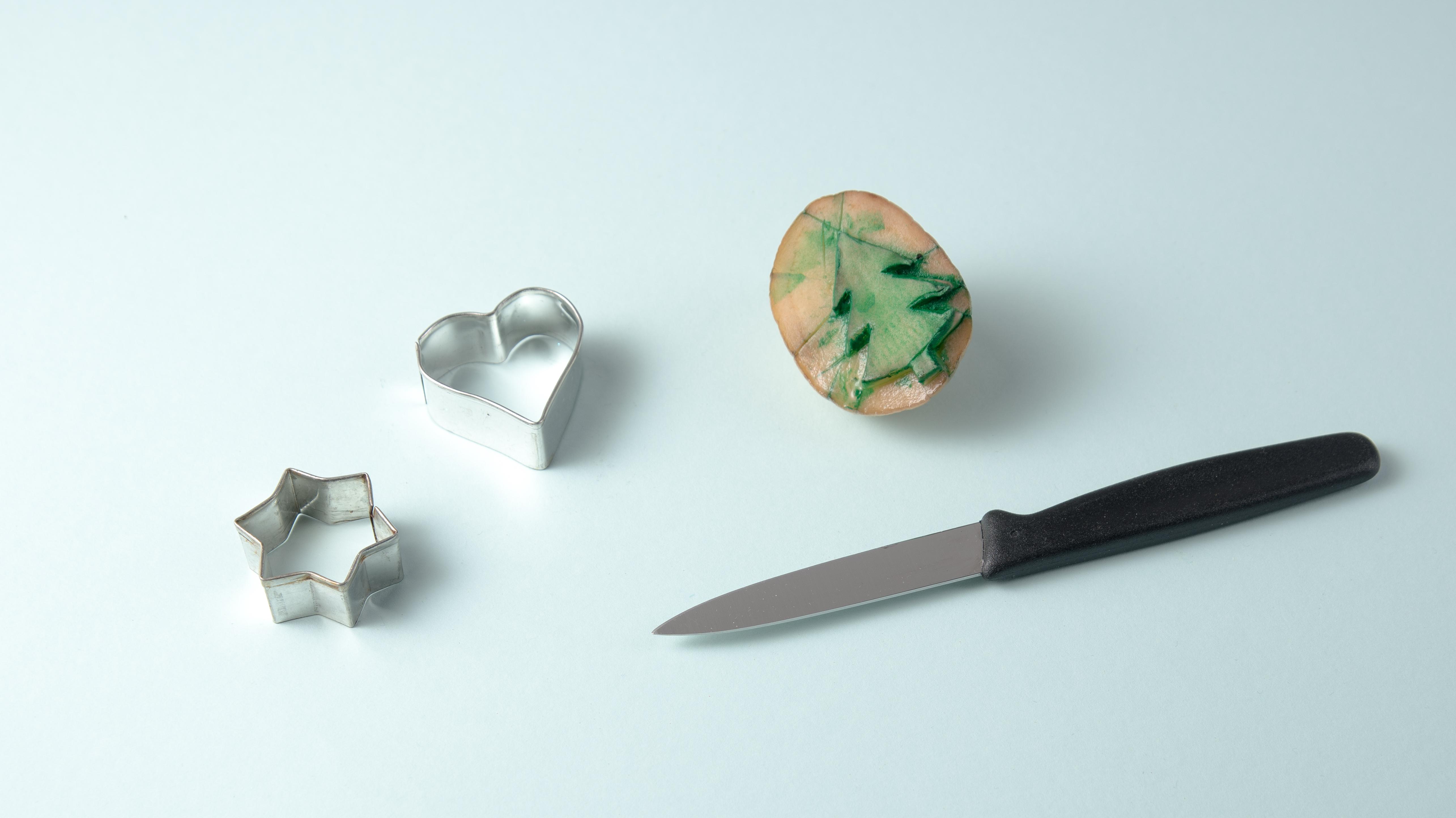 Kartoffelstempel auf Küchentuch | Famigros