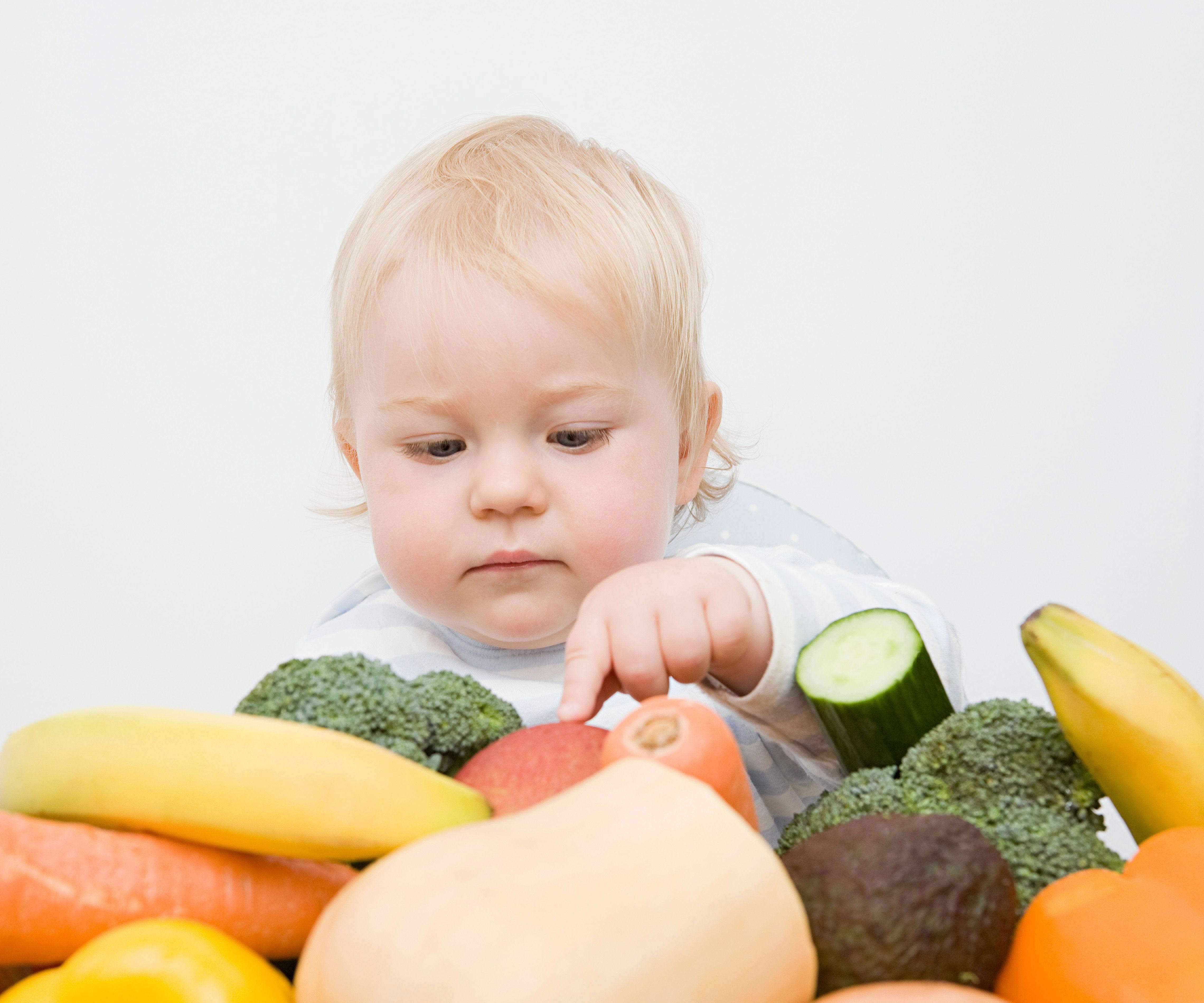 Baby Feste Nahrung