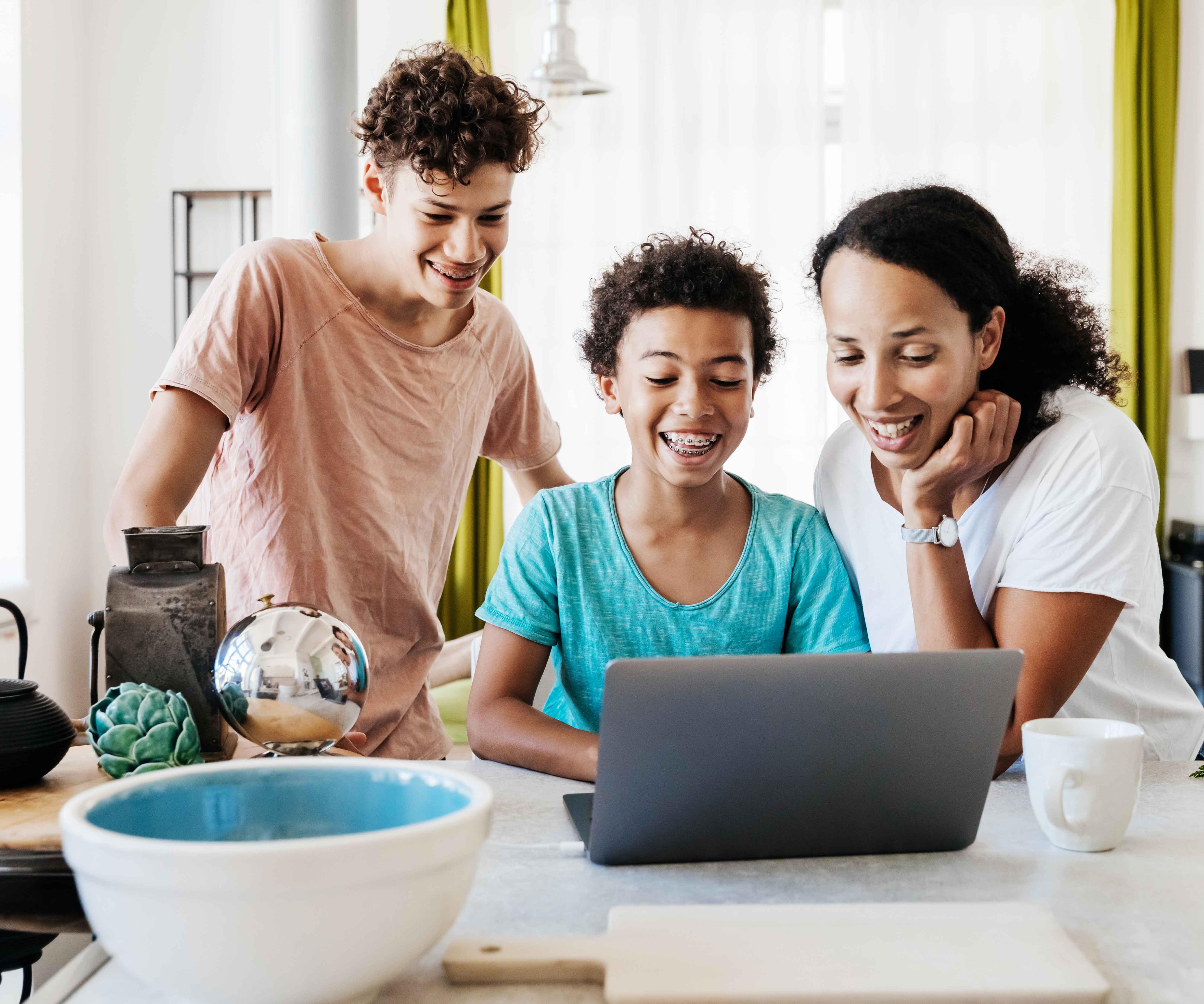 https famigros migros ch fr enfants et adolescents medias meilleures apps familles invitations